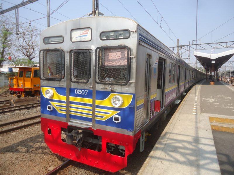 電車_ジャカルタ