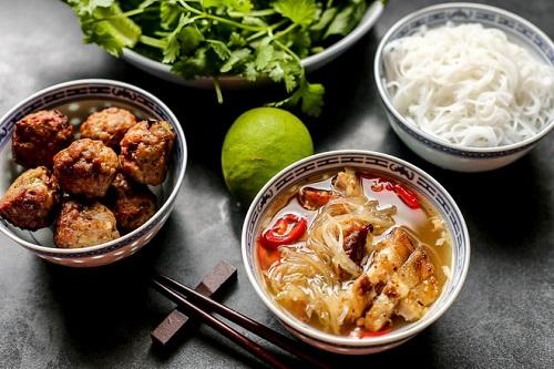 【ベトナム食図鑑】フォーとブンの違いから、絶品の郷土料理まで紹介